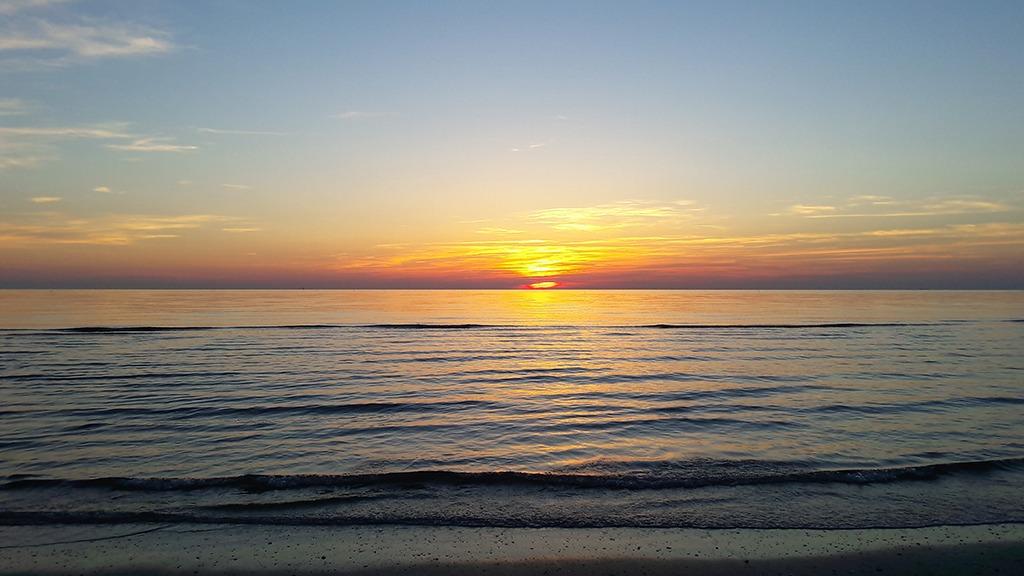 Lodi mattutine in spiaggia