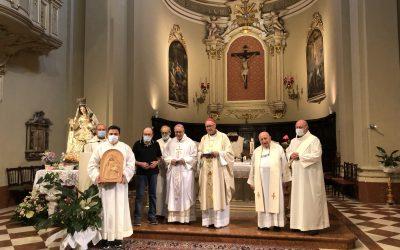 La comunità riminese della parrocchia di San Giovanni Battista in festa per il 25esimo anniversario di ordinazione episcopale di Mons. Claudio Maria Celli